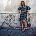"""Um projeto colaborativo entre uma designer argentina e uma fotógrafa americana resultou em fotos artísticas de roupas feitas de lixo,em uma tentativa de buscar uma """"abordagem criativa"""" para o uso […]"""