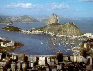 Óleo que vazou no Rio pode contaminar Baía de Guanabara