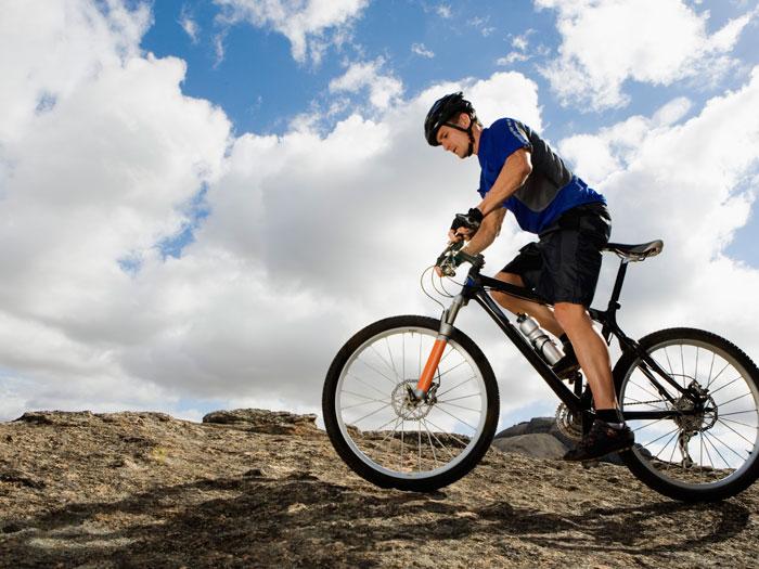Uma hora de ciclismo pode queimar até 500 calorias
