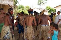 No total, são 750 índios da etnia dispersos nas periferias dos municípios de Conde, Alhandra e Pitimbu que compartilham o território indígena reivindicado.