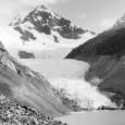 À primeira vista, a geleira de Yanapaqcha, situada a 17,000 pés (5,100 metros) do nível do mar no coração dos Andes peruanos, representa a natureza em seu ponto mais sublime. […]