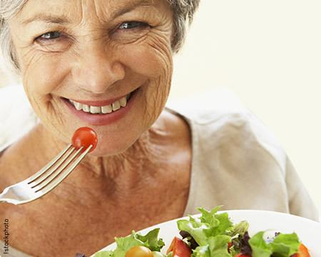 Alimentos têm influência na capacidade mental de idosos