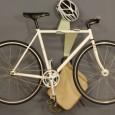 Um dos problemas para alguns ciclistas é ondeguardar a sua bike. Mas nada como a criatividade para driblar os pequenos empecilhos da vida. O corpo da bicicleta proporciona diversas possibilidades […]
