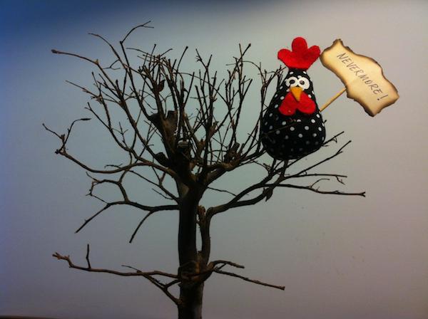 Por aqui, quem não tem corvo vai com frango. Montagem: Leronardo Sakamoto