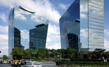 A Rochavera Corporate Towers, em São Paulo, é uma das construções que receberam selo LEED do GBC Brasil / Fotos: Divulgação GBC Brasil