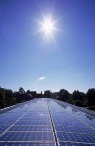 Japão aprova política ambiciosa de subsídios para energia renovável