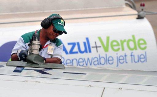 Brasil lança voo experimental com avião movido a etanol