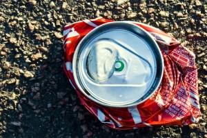 Coca-Cola brasileira tem taxa maior de corante cancerígeno, diz estudo