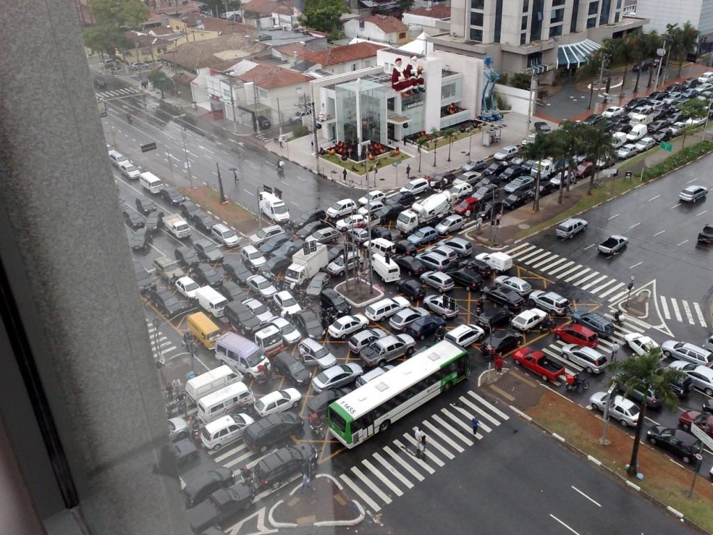 Motoristas cariocas temem caos no trânsito com a chegada dos chefes de Estado para a Rio+20