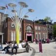 Postes com formas orgânicas abastecidos por energia renovável. Esse é o futuro da iluminação urbana segundo o designer Ross Lovegrove, famoso por misturar ciência, tecnologia e natureza em seus projetos. […]