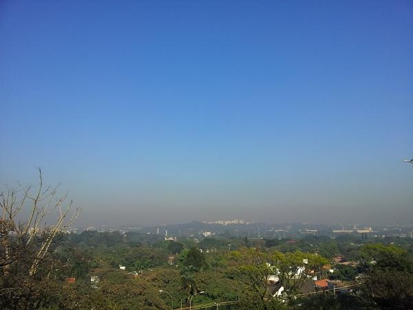 Em São Paulo, é possível visualizar a poluição do ar. Foto: Daniel Santini
