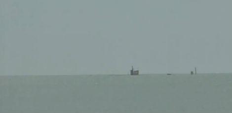Navio que afundou em Fortaleza vaza 8 mil litros de óleo