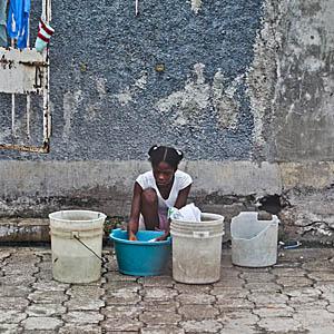 Água potável é ouro no Haiti pós terremoto