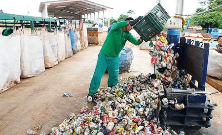 Atualmente, 42,44% dos resíduos têm destino inadequado. Foto: Gleilson Miranda