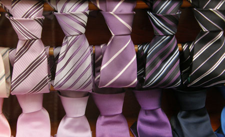 A variedade de tecido das gravatas pode ser transformada em vários projetos Foto: sxc.hu