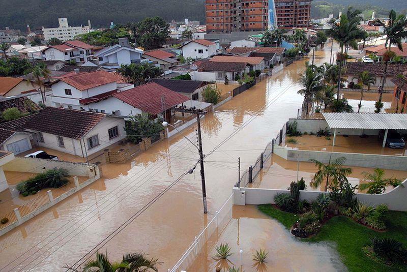Conjunção entre vulnerabilidade, exposição e eventos climáticos extremos é apontada pelo IPCC como a razão por trás das grandes tragédias, que poderiam ser evitadas se políticas efetivas de adaptação fossem colocadas em prática