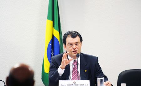 Senador Eduardo Braga acha difícil entendimento em agosto. Foto:Wilson Dias/ABr
