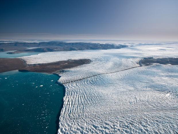 Degelo na Groenlândia pode não impactar tanto a elevação do nível do mar, afirmam cientistas (Foto: Divulgação/Ian Joughin/Science)