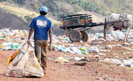 Política Nacional dos Resíduos Sólidos determina fim dos lixões até 2014. | Foto:Roosewelt Pinheiro/ABr