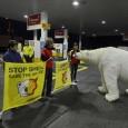 Para protestar contra as perfurações feitas pela Shell em busca de petróleo no frágil ecossistema do Ártico, ativistas do Greenpeace Holanda fecharam hoje de manhã 51 postos de gasolina da […]