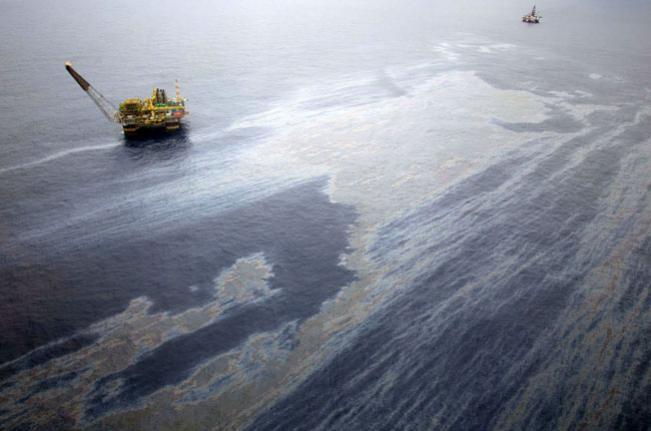 STJ mantém suspensão de extração e transporte de petróleo pela Chevron e a Transocean Brasil