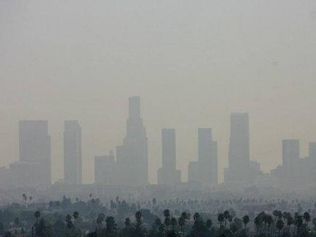 Paisagem de Los Angeles; EUA querem flexibilidade na redução de emissões de gases causadores do efeito estufa.  (Foto: Gabriel Bouys/AFP)