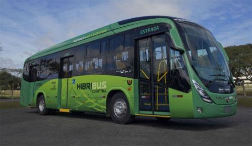 Curitiba recebe ônibus movidos a eletricidade e biodiesel que poluem 90% menos
