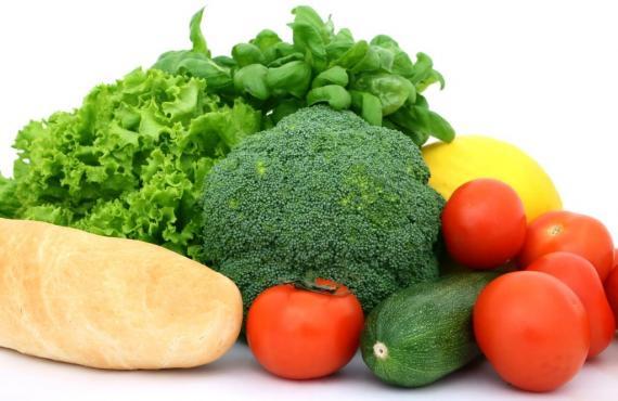 Legumes e verduras cultivados em casa