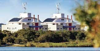 Na praia do Campeche, em Florianópolis, os ventos sopram a favor da natureza. Pensado com base em padrões sustentáveis, o condomínio Neo Next Generation, recém-erguido a 300 m da areia, é o primeiro residencial do país a ter energia eólica