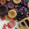 """Alimentos e moda, para a designer Ip Hoyan, estão mais ligados do que nunca. Em prol do desperdício zero, a inglesa criou uma coleção chamada de """"Bio-enfeites"""", na qual derivados […]"""