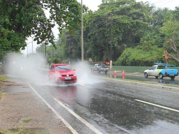 Frentes frias se encaminham à Manaus (Foto: Girlene Medeiros / G1 AM)