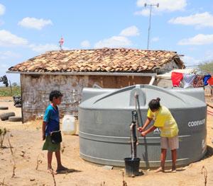 Pernambuco: 23,5 mil famílias do semiárido recebem cisternas