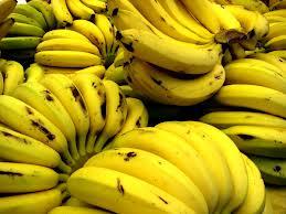 Em PE, produção de banana cai por causa da seca e preço da fruta sobe