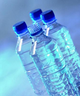 O consumo de refrigerantes nos EUA vem caindo; a bebida tem sido substituída por água Foto: Terra