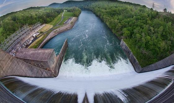 Estudo desenvolvido pelo Cebds aponta que efeitos das alterações climáticas, como irregularidade no regime de chuvas, podem afetar significativamente a produção de eletricidade no país, uma vez que a matriz energética brasileira é altamente dependente das usinas hidrelétricas