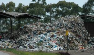 Ministério quer cumprimento da lei que prevê fim dos lixões em agosto de 2014