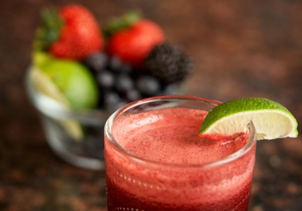 Sucos industrializados não substituem o suco feito com a própria fruta. - Foto :Breville USA / Flickr