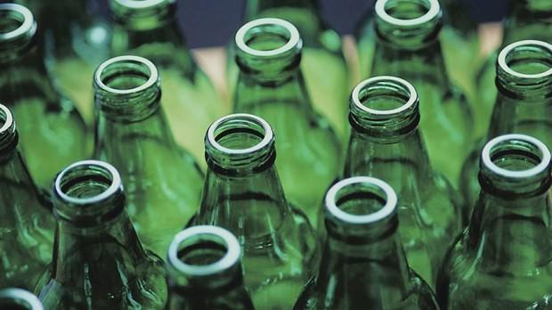 O vidro é o único material 100% reciclável e pode ser reutilizado inúmeras vezes.