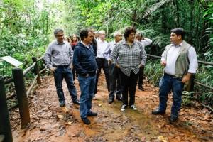 ParquesCOPAMinistros Izabella Teixeira, do MMA, e Gastão Vieira, do MTur, visitam o Parque Nacional de Brasília. Foto: Martim Garcia/MMA.
