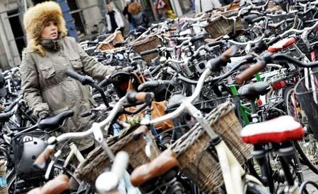A quantidade de pessoas interessadas em bicicletas cresceu na Espanha, onde já são vendidas mais bikes do que carros