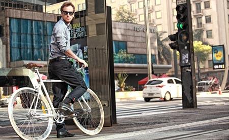 Calça social masculina Trend oferece conforto e mobilidade Fotos: Divulgação