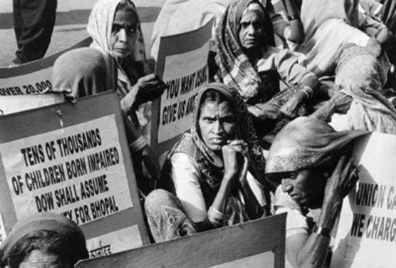 Maior desastre industrial da historia expôs 500 mil pessoas e matou 25 mil na Índia