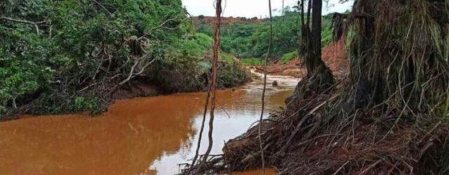 Ruptura de barreira em mina de ouro devastou rio Tromaí e deixou centenas de famílias sem água. Ninguém ficou sabendo. O que isso revela sobre a comunicação contemporânea e sobre […]