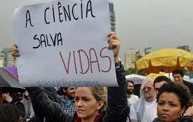 """por Mariana Daixum, via Jornal A Nova Democracia """"Tem vários projetos andando com ele [Marcos Pontes] coisa que não se falava no passado: pesquisa, desenvolvimento, não existia isso. Agora o […]"""